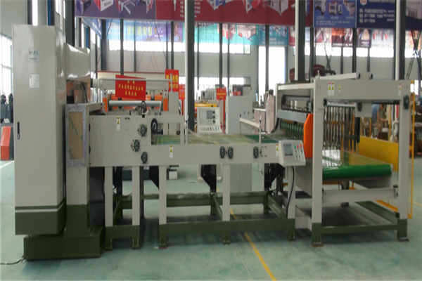 CNC Single Facer Slitting Cutting with down basket Stacker